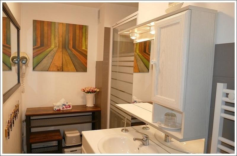 Location Orcières salle de bains appartement LOCORCIERES